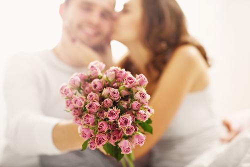 妻が喜ぶジュエリーを結婚記念日にサプライズするなら