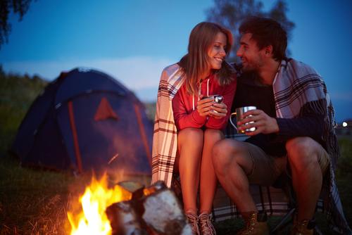 結婚記念日に、妻とキャンプでサプライズに過ごすおすすめな方法