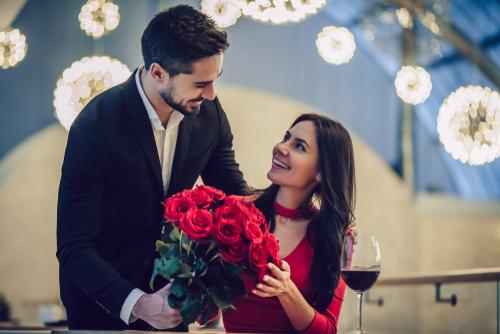 妻の誕生日が結婚記念日、プレゼントはどうするべきか