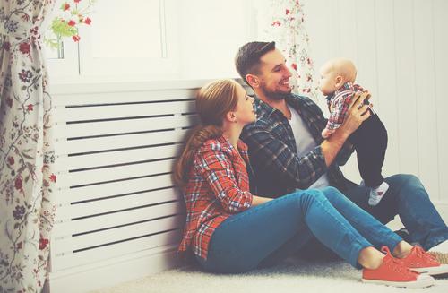 小さいお子さんのいる奥様に贈る結婚記念日プレゼントの極意