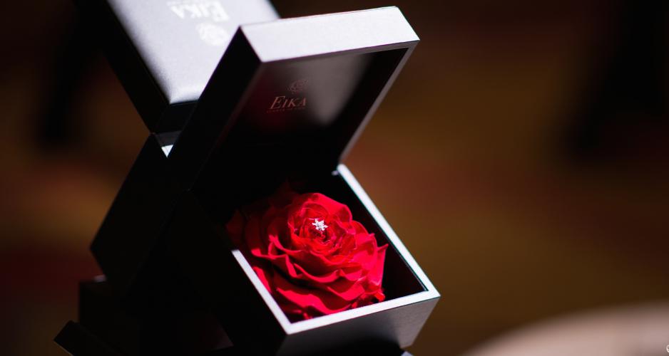 クリスマスプレゼント_プロポーズ_婚約指輪_EIKA_フラワージュエリー2
