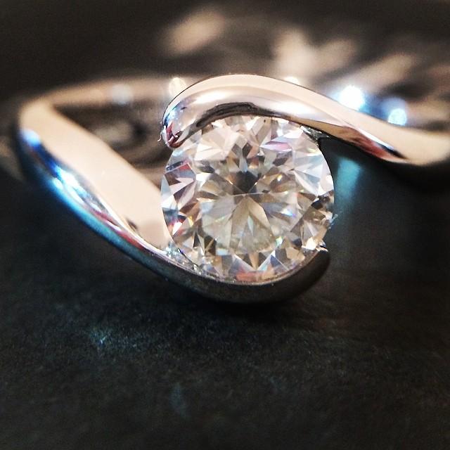婚約指輪_エンゲージリング_人気ランキング_デザイン_0.7カラット