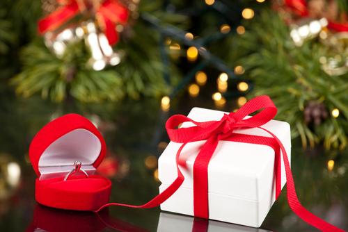 プロポーズ_クリスマス_シーズン_婚約指輪