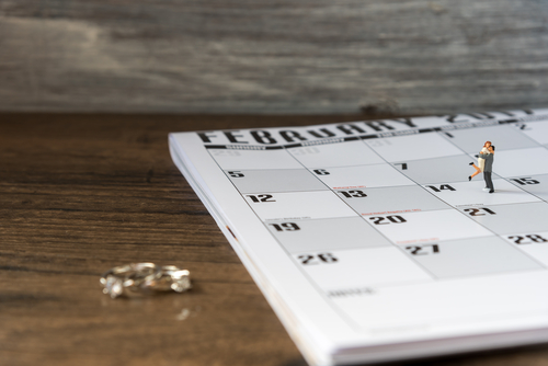 婚約指輪_いつ_カレンダー