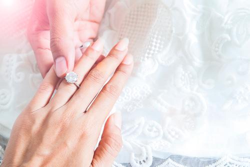 婚約指輪_セレブ_芸能人_エンゲージリング_1カラット_ダイヤモンド