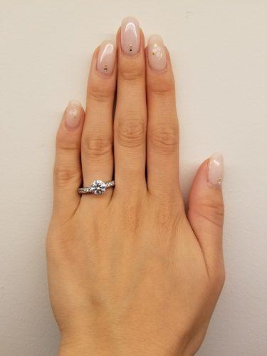 婚約指輪-エンゲージリング-プロポーズ-デザイン-サイドストーン