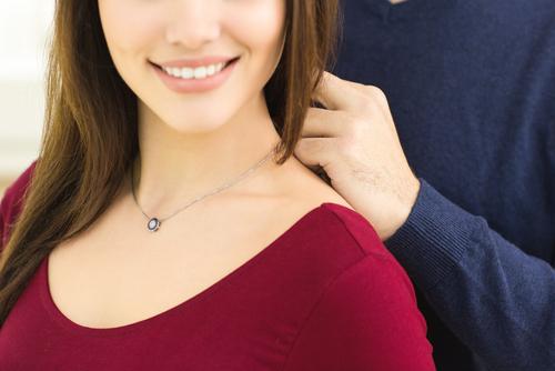婚約-ネックレス-ダイヤモンド