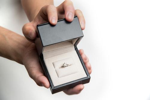 プロポーズ_最高_婚約指輪_指輪なし