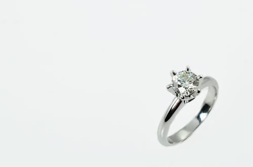 ダイヤモンド_婚約指輪