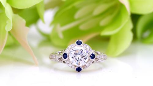 サムシングブルー_婚約指輪